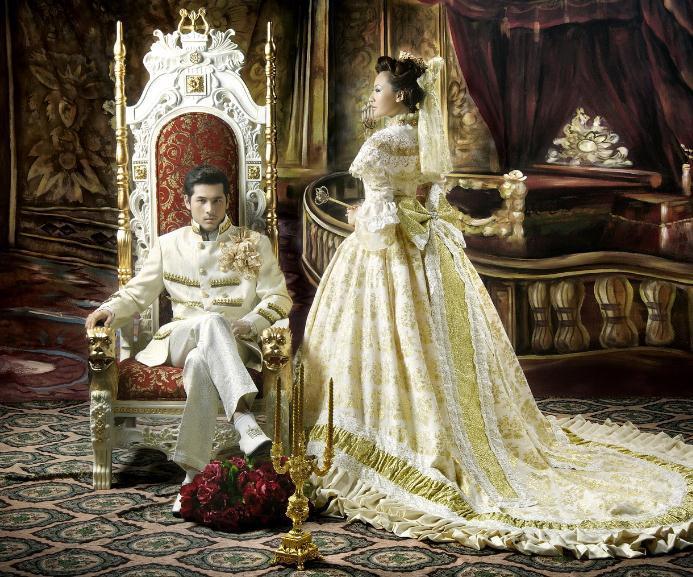 英伦风格的婚纱照以优雅自然含蓄为特点,表现绅士风度与贵族气质.